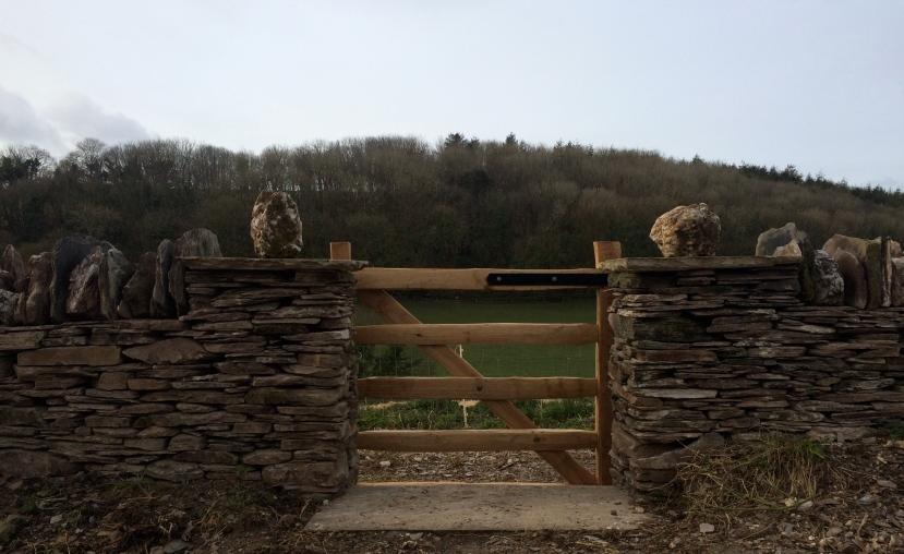 Chestnut gate - dry stone quoin